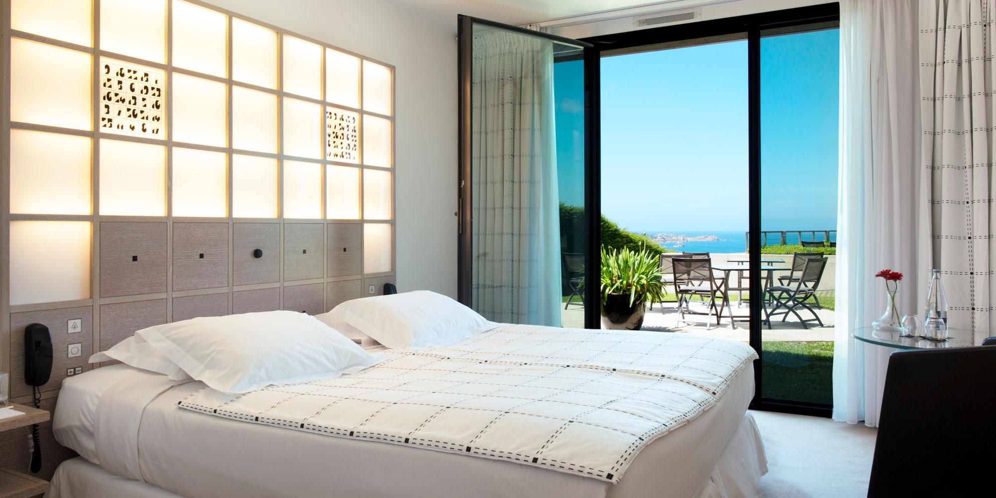 hotel l 39 agapa perros guirec brittany france eden. Black Bedroom Furniture Sets. Home Design Ideas